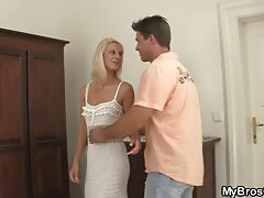 أنا أرتدي أفضل الملابس الداخلية وذهبت إلى فلام سكسي فيديو جارتي المتزوجة