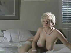الشرج الحساسة مع فتاة فلام سكسي نيج روسية على أريكة جلدية